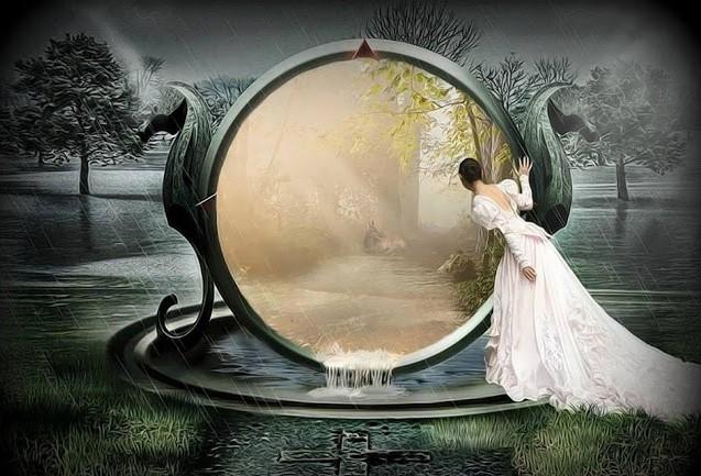 Riflessa nello specchio